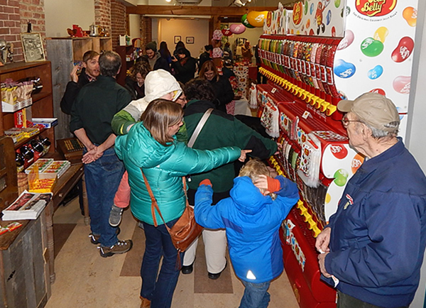 Photo of people shopping Maine Street Sweets